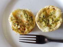 Muffinki jajeczne z cukinią i mozzarellą