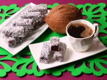 Murzynki otulone wiórkami kokosowymi