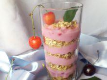 Mus jogurtowy z crunchy i owocami Di