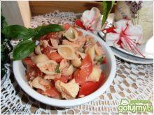 Muszelki z pomidorami i tuńczykiem