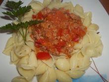 Muszelki z sosem mięsno warzywnym