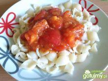 Muszelki z sosem pomidorowym