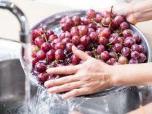 Jak zmyć pestycydy z owoców i warzyw? 3 domowe sposoby