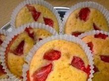 Najłatwiejsze muffinki z truskawkami