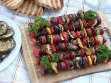 Najprostsze szaszłyki - z kiełbasy i warzyw