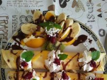 Naleśniki na słodko z owocami