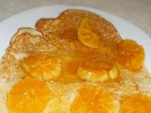 Naleśniki pełnoziarniste z pomarańczami