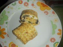 Naleśniki z jajkiem i pieczarkami