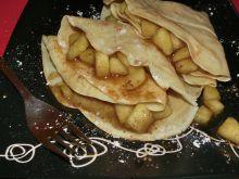 Naleśniki z karmelizowanymi jabłkami