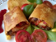 Naleśniki z mięsem i warzywami
