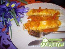 Naleśniki z mięsem w sosie paprykowym