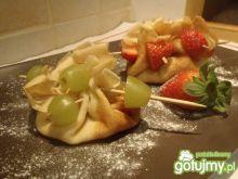 Naleśniki z owocami w sakiewkach