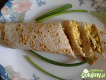 Naleśniki z pastą kukurydziano-jajeczną
