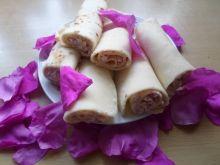Naleśniki z pastą serowo-różaną
