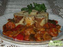 Naleśniki z pieczarkowo paprykowym sosem