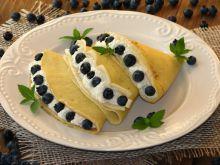 Naleśniki z serem i borówkami