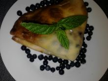 Naleśniki z serem i jagodami