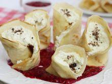Naleśniki z serem i kisielem malinowym