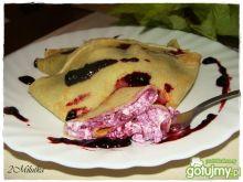 Naleśniki z serem i konfiturą jagodową