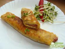 Naleśniki z serem i smażoną kiełbaską