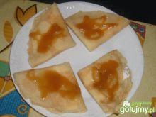 Naleśniki z serem i sosem toffi