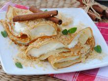 Naleśniki z serem i złocistą posypką