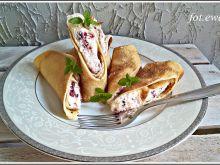 Naleśniki z serem, mascarpone i suszonymi malinami