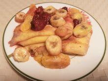 Naleśniki z serkiem i owocami