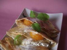 Naleśniki z waniliowym serem i owocami