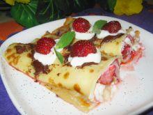 Naleśniki zapiekane z truskawkami i serem