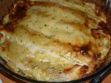 Naleśniki ze szpinakiem zapiekane w sosie serowym