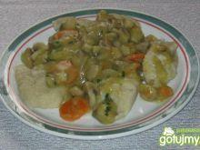 Naleśnikowe kluski z sosem pieczarkowym