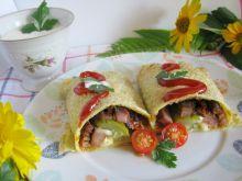 Naleśnikowe roladki z mięsem z grilla