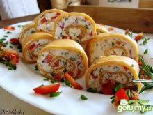 Naleśnikowe ślimaki z serkiem i papryką