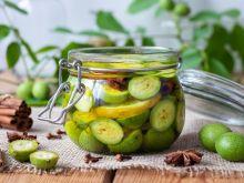 Nalewka z zielonych orzechów włoskich - wypróbuj ten przepis!