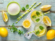 Jak zrobić orzeźwiający napój na upały?