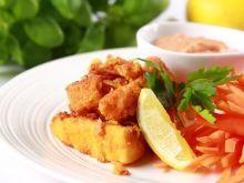 Nuggetsy rybne z płatkami kukurydzianymi