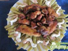Nuggetsy z indyka z fasolką szparagową