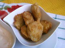 Nuggetsy z sosem majonezowo-paprykowym