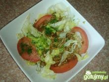 Obiadowa sałatka z lodowej i mielonego