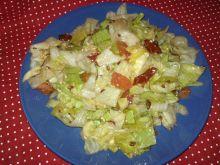 Obiadowa sałatka z suszonym pomidorem