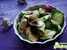 Obiadowa surówka z cukinii i pieczarek