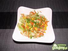 Obiadowa surówka z lodowej sałaty
