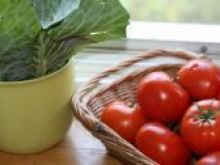 Obieranie pomidora