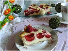 Odchudzona tarta sernikowa z truskawkami