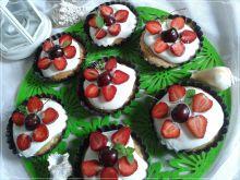 Odchudzone biszkoptowe tartinki z owocami