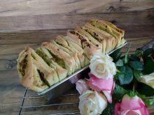 Odrywany chlebek z pesto i czosnkiem
