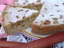 Odwrócone ciasto rabarbarowe