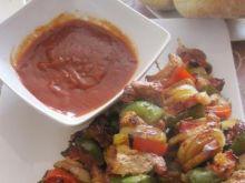 Ogniste szaszłyki z sosem meksykańskim