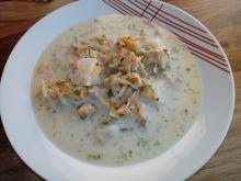 Zupa ogórkowa z pasternakiem